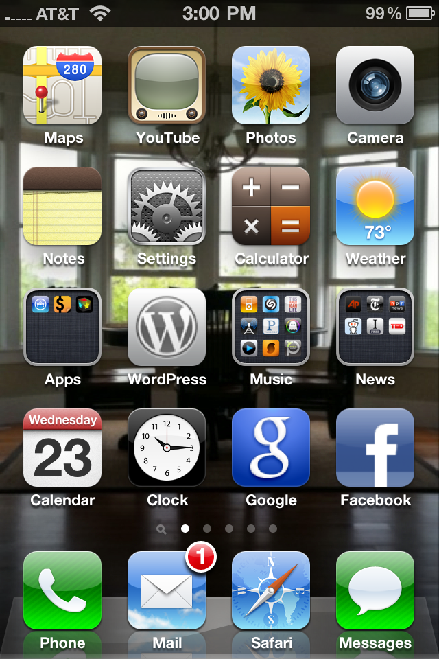 iPhone 4 home screen.